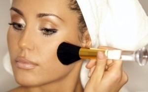 Секреты экспресс-маскировки прыщей тональным кремом
