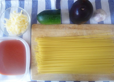 Рецепты вегетарианских блюд: спагетти с томатным соусом