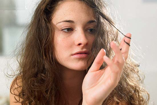 Масло миндаля от проблем с волосами, ресницами и бровями