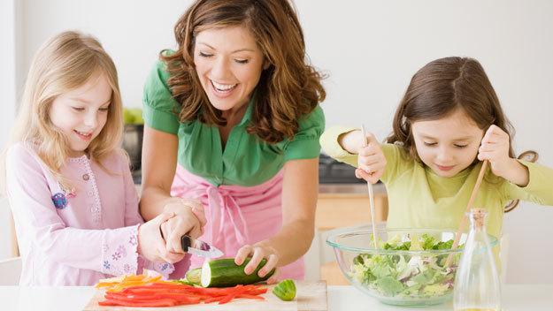 Полезные советы для женщин: чем занять детей дома