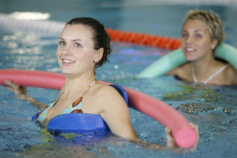 Женское здоровье и польза бассейна