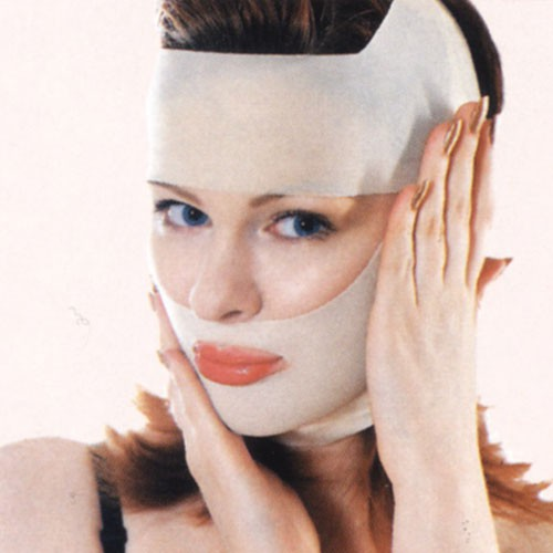 Как продлить красоту и молодость кожи, используя домашние косметические средства?