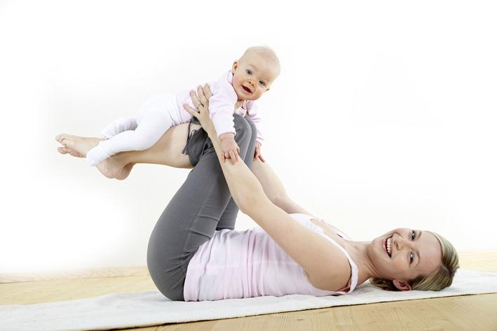 Что такое «бэби йога» для мам с малышами