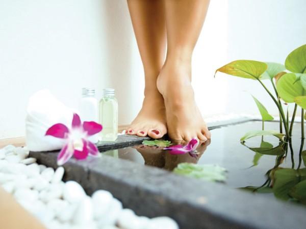 Секреты женского здоровья: как избавиться от отёков ног