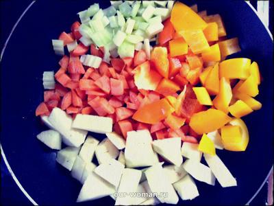 Простые вегетарианские рецепты: овощной рататуй с перловкой