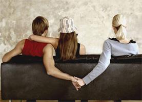 Что делать, если парень игнорирует девушку?