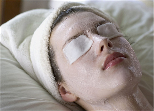Кремы и маски от синяков под глазами