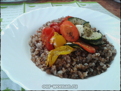 Рецепты вегетарианских блюд: тёплый салат с гречкой